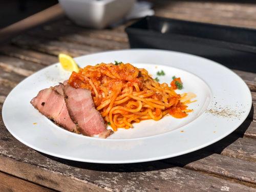 CERCLEで食べたイベリコ豚と玉葱のアマトリチャーナ