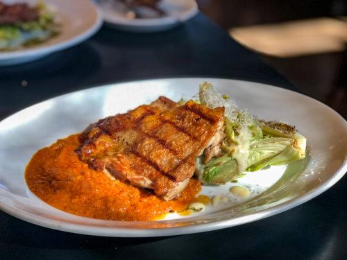 ベーカリー&レストラン沢村のランチ(信州産鶏もも肉のグリルとローストレタスのシーザードレッシング)